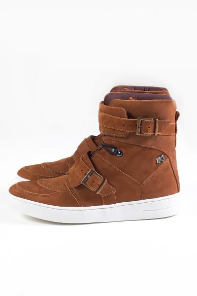 Sneaker Cano Alto Nobuck com Fivela e Elástico (Caramelo) | Ref: KS-T48-003
