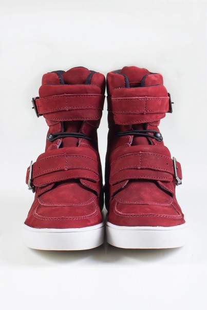 Sneaker Cano Alto Nobuck com Fivela e Elástico (Vinho) | Ref: KS-T48-002