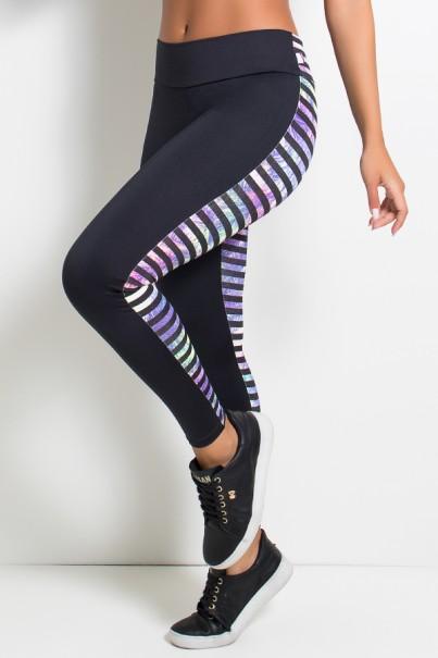 Calça Legging com Frente Lisa e Estampada nas Costas (Preto / Folhagem Colorida com Listras Pretas) | Ref: KS-F1893-003