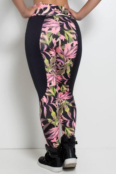 Calça Tamara Estampada com detalhe liso e bolso (Preto com Folhas Verdes e Rosa Fluor / Preto) | Ref: KS-F244-001