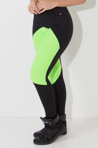 Calça Thainá Lisa com Detalhe Bolha Fluor (Preto / Verde Limão Fluor) | Ref: KS-F596-001