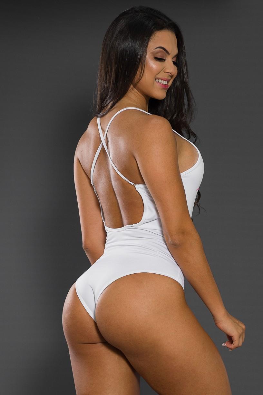 F2062-001_Body_Liso_com_Alcas_Cruzadas_DANGEROUS_WOMAN__Ref:_F2062-001