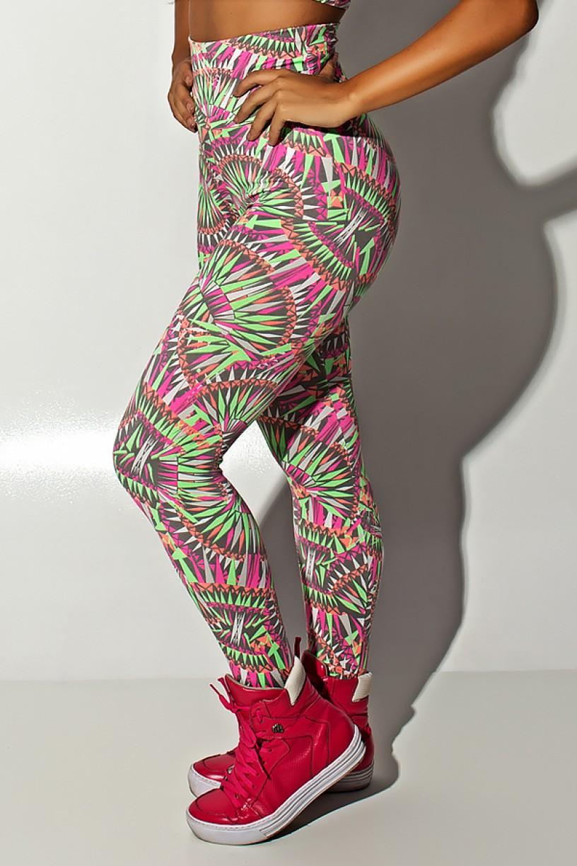 Conjunto Cropped Estampado com Detalhe Liso + Legging Estampada Cinza com Rosa Laranja e Verde | Ref: F1291