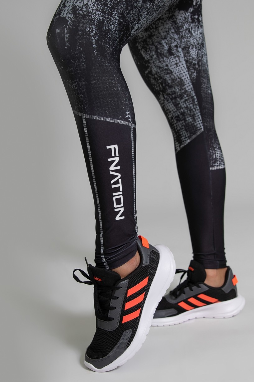 Calça Legging Fitness Estampa Digital Doom | Ref: GO386