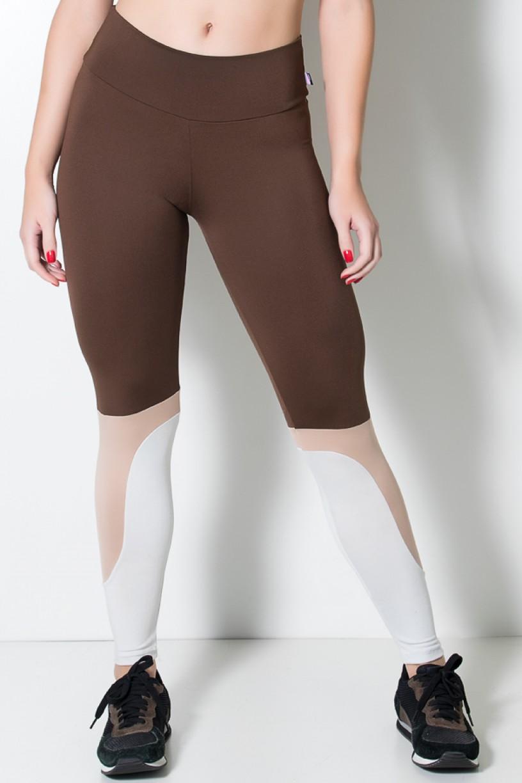 Calça Três Cores com Recorte na Perna (Marrom / Chocolate / Branco Gelo)