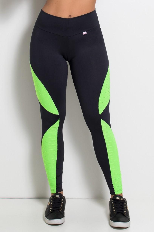 Calça Leona Lisa com Detalhe Tecido Bolha Fluor (Preto / Verde Limão Fluor) | Ref: KS-F476-001
