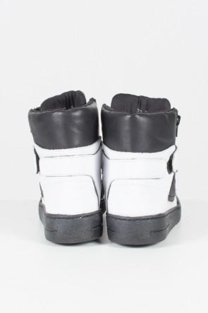 Sneaker Unissex Preto com Branco | Ref: KS-T34-001