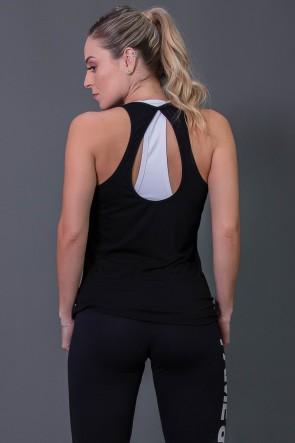 K2573-A_Camiseta_Fitness_com_Detalhe_em_Gota_nas_Costas_Preto__Ref:_K2573-A