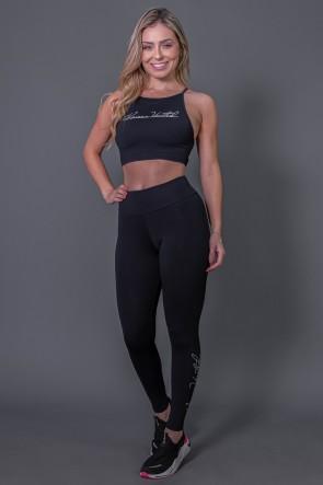 Calça Legging Fitness com Silk Assinatura Pequena (Preto / Off-White) | Ref: K2583-A