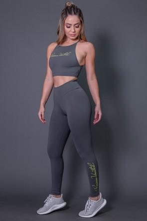 K2583-C_Calca_Legging_Fitness_com_Silk_Assinatura_Pequena_Cinza_Escuro__Verde_Fluor__Ref:_K2583-C