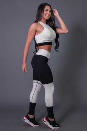 Calça Legging Fitness com Ponto de Cobertura e Silk (Preto / Off-White) | Ref: K2684-A