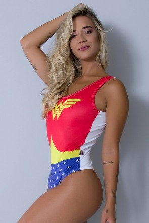 Body Sublimado Cavado nas Costas (Wonder Woman / Branco) | Ref: BDY097-041/002/000