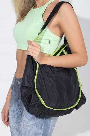 Bolsa Esportiva de Nylon Preta com Viés Verde Claro | Ref: KS-F964-005