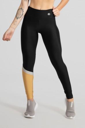 Calça Legging com Recorte Diagonal em uma Perna (Preto / Ouro / Prata) | Ref: GO474-A