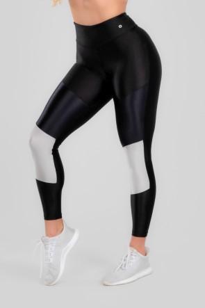 Calça Legging com Recorte Duplo Frontal (Preto / Prata) | Ref: K2963-C