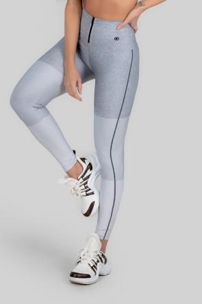 Calça Legging Estampa Digital com Zíper no Cós (Grey Fraction) | Ref: K3005-A