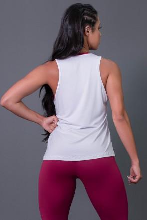 Camiseta Regata de Viscose com Silk (Branco / Vinho) | Ref: K2569-C