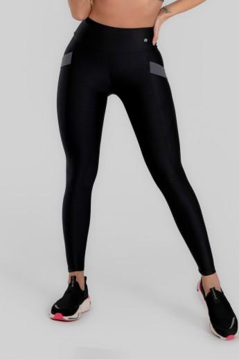 Calça Legging com Bolso e Detalhe em Elástico (Preto) | Ref: K2946-A