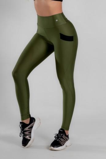 Calça Legging com Bolso e Detalhe em Elástico (Verde Militar) | Ref: K2946-E