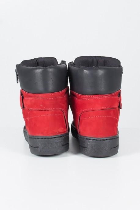 Sneaker Preto com Vermelho   Ref: T38