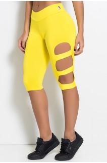 Calça Corsário com Rasgos na Perna (Amarelo) | Ref: KS-F97-013