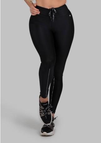 Calça Legging com Cadarço Metálico e Vivo (Preto / Prata) | Ref: K2986-A
