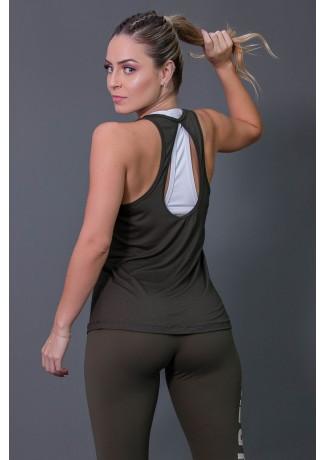 Camiseta de Viscose com Detalhe em Gota nas Costas (Verde Militar) | Ref: K2573-B
